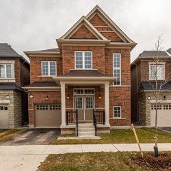 324 Ironside Drive Oakcille by Mr.Oakville